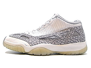 AIR JORDAN 11 LOW I.E (OG) white/light grey-cobalt