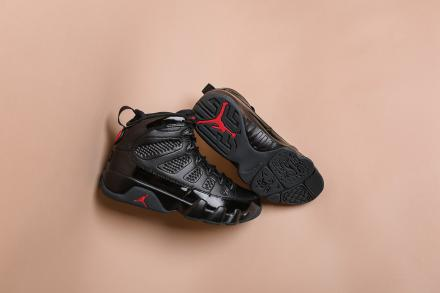 NIKE AIR JORDAN 9 RETRO BLACK/ANTHRACITE-UNIVERSITY RED