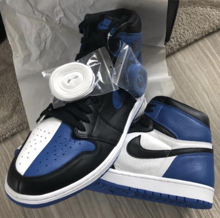 "NIKE AIR JORDAN 1 RETRO OG ""HOMAGE TO HOME"" ROYAL BLUE"