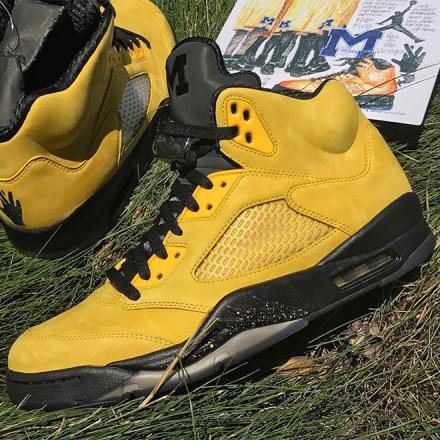 NIKE AIR JORDAN 5 SP AMARILLO/COLLEGE NAVY-AMARILLO